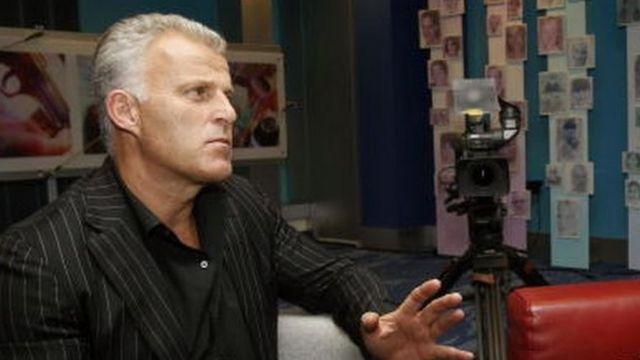 Питер Р. де Врис известен журналистскими расследованиями об организованной преступности. Фото 2005 года