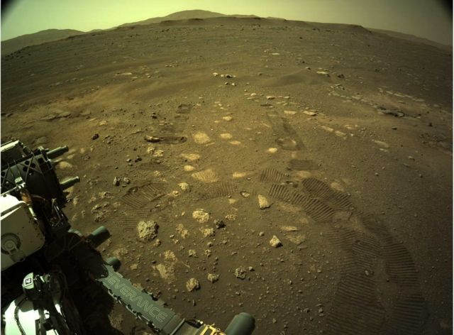 Images of Perseverance on Mars.