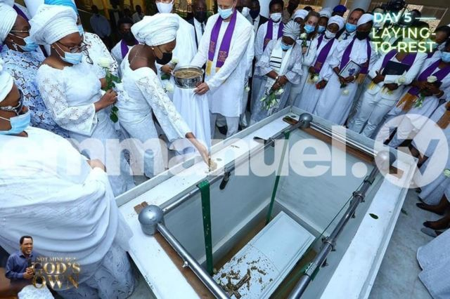 Prophet TB Joshua burial live: Temitope Balogun Joshua grave, tribute and how dem bury di Emmanuel TV Synagogue preacher for Lagos