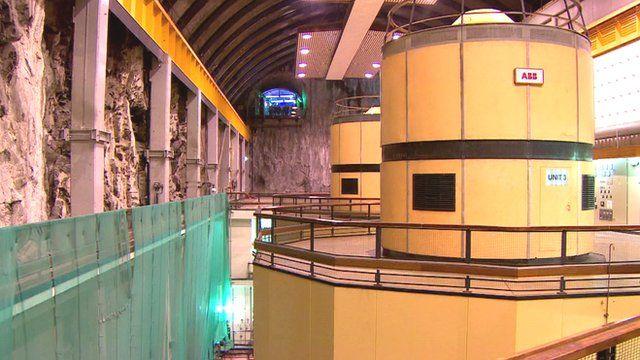 Hydro-electric turbine