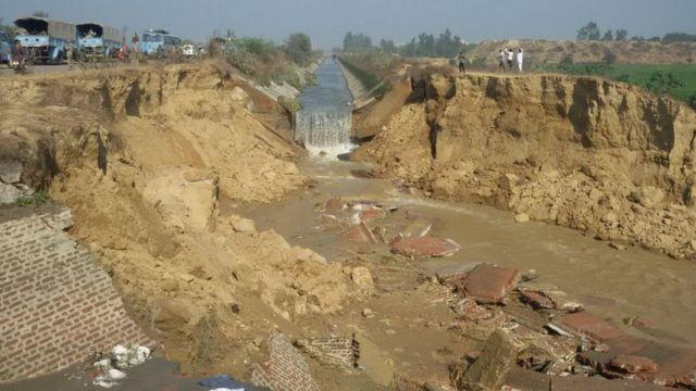 破壊されたムナク運河