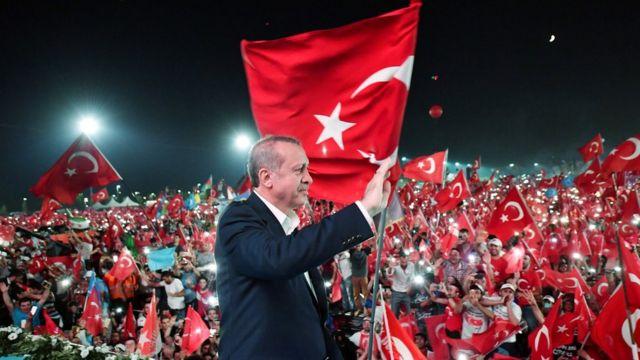 митинг против путчистов в Турции