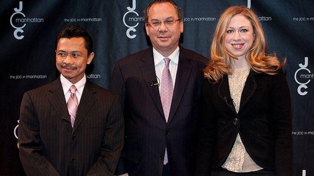 Shamsi Ali Bersama Rabi Marc Schneier, dan Chelsea Clinton dalam acara memerangi Islamofobia di Manhattan pada 14 Maret 2012.