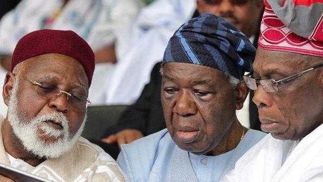 Shonekan nọ n'etiti Abubakar na Obasanjo