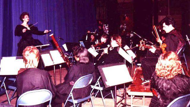 ارکستر روحالله خالقی به رهبری گلنوش خالقی، واشینگتن، ۱۳۶۸