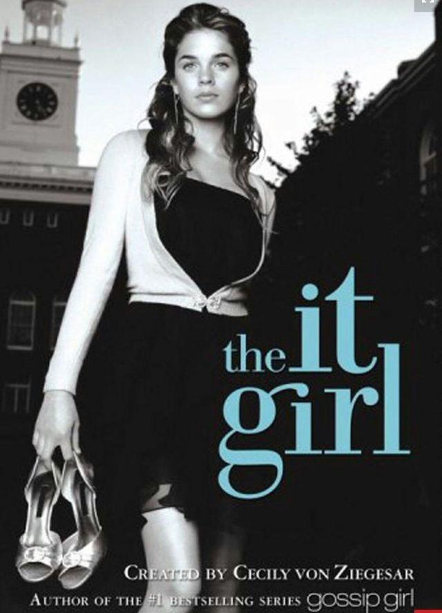 17-летняя Хикс на обложке книги