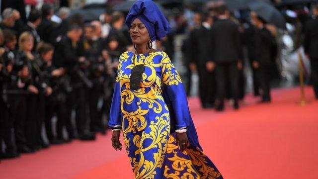 Maalintii ka horreysay ,heessaa iyo jilaa caan ah oo lagu magacaabo Khadja Nin ayaa ruxday bandhiga filimada ee Cannes, France.