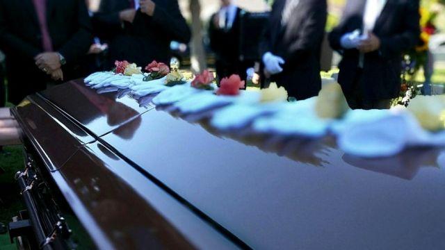 Личные трагедии, такие как утрата близкого человека, способны негативно влиять на уровень IQ