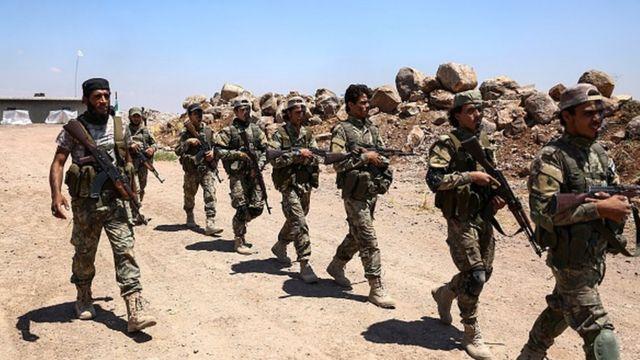 مقاتلون من فصائل المعارضة السورية