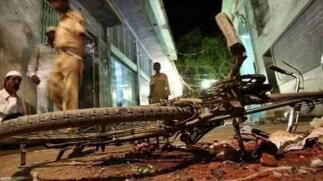 மலேகான் குண்டுவெடிப்பு வழக்கு: சாத்வி, புரோஹித் உள்ளிட்டவர்கள் மீது குற்றச்சாட்டு பதிவு