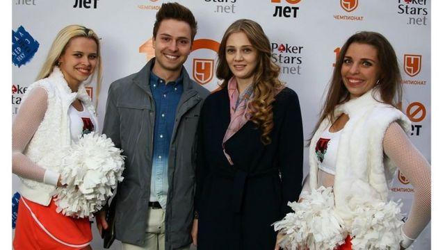 Роман Семенов работает с бывшей пятой ракеткой мира Анной Чакветадзе. Доля гламура в его работе, конечно, есть