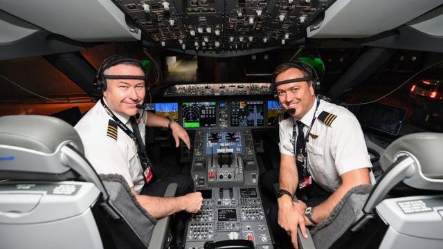 Капитан Шон Голдинг и второй пилот Джереми Садерленд