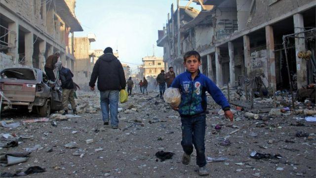 قال المرصد أن معظم القتلى في معرة مصرين كانوا من المدنيين
