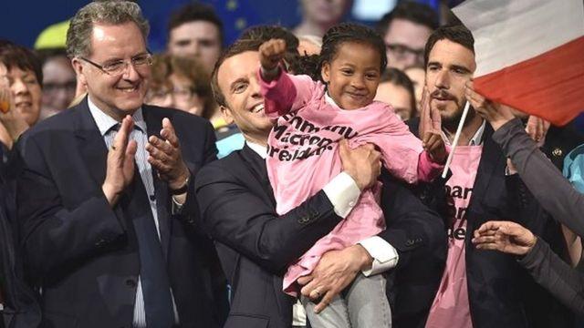 Selon son programme, Emmanuel Macron fait de l'intégration des immigrés, une priorité absolue.