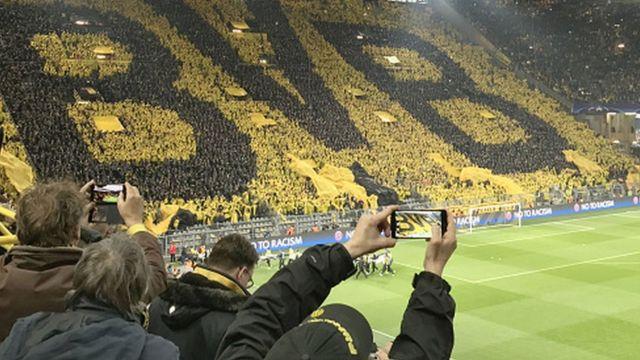 Vue d'une tribune du stade de Dortmund où s'est déroulé mercredi le match contre Monaco