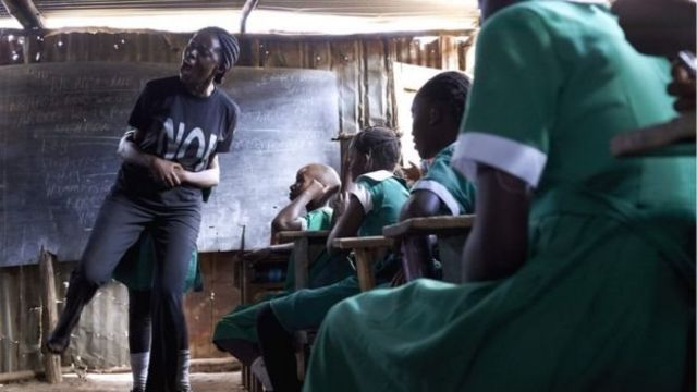 Un cours pour apprendre aux filles à se défendre