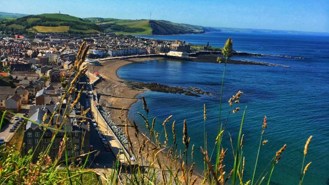 Wales sizzles again as temperatures soar