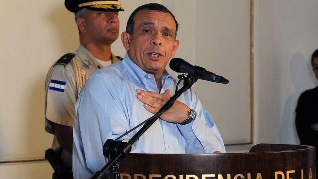 "José Porfirio ""Pepe"" Lobo cuando era presidente de Honduras"