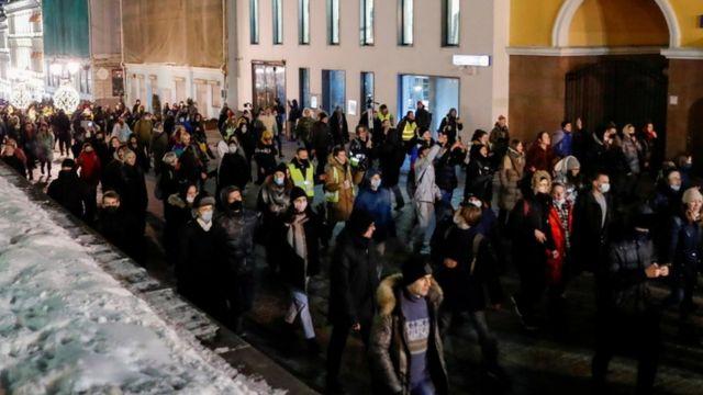 متظاهرون في روسيا لدعم نافالني