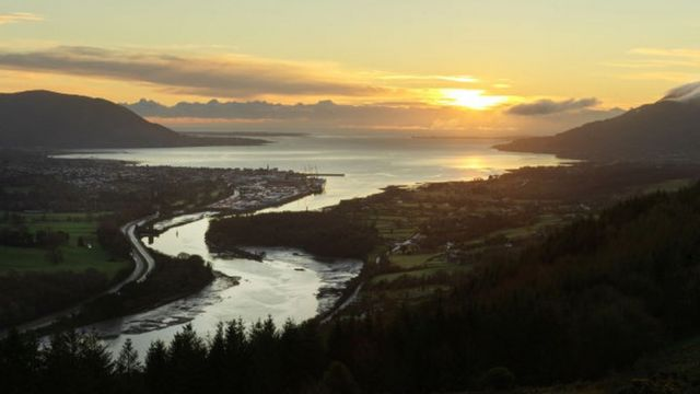 Рассвет над рекой Ньюри, разделяющей Северную Ирландию и Ирландскую Республику, 1 января 2021 года