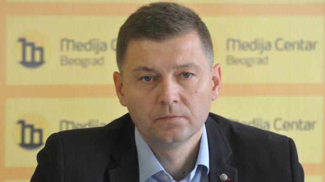 Зеленовић је 45-годишњи политичар, дипломирани правник, који је широј јавности постао познат 2014. када је изабран за првог човека Шапца