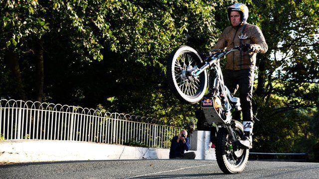 Dougie Lampkin at Ballaugh Bridge