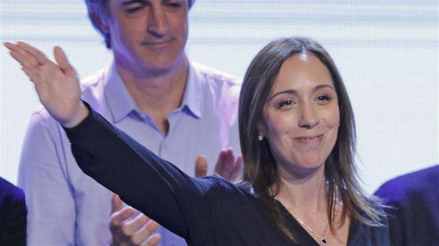 María Eugenia Vidal, de Cambiemos, celebra.
