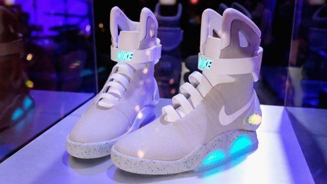 耐克磁力鞋