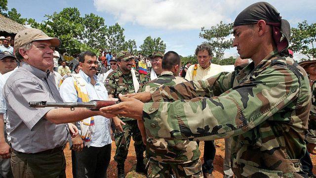 Desmovilización de paramilitares colombianos.