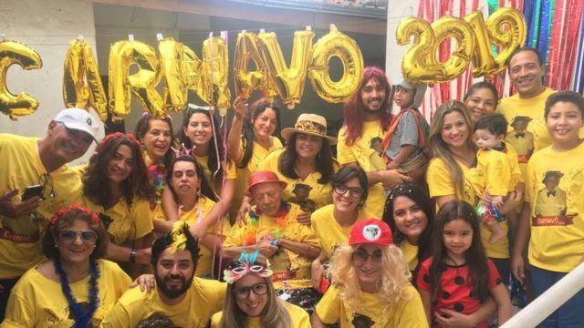 Carnavô: Teotonio Pires Ferreira seus parentes comemorando o carnaval