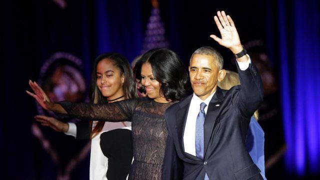 أوباما واسرته بعد خطاب الوداع