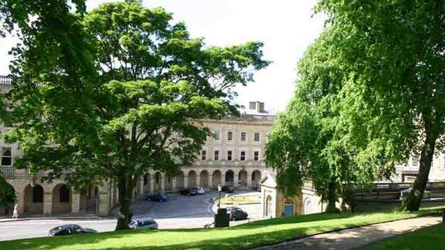Центр Бакстона и колодец Св. Анны