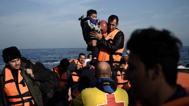 Migrant crisis: EU launches new border force plan