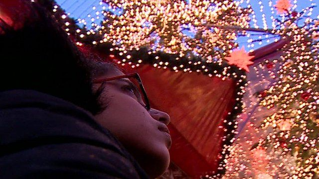 Noujain Mustaffa In front of Christmas lights in Germany
