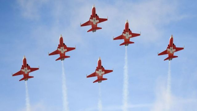 Patrouille Suisse: Fighter jet display team fly-by misses town