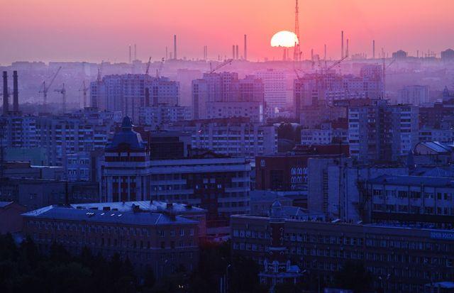 Россия. Омск. 15 июля 2016. Вид на спальный район города