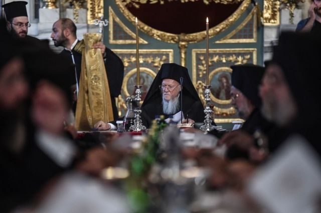 Патриарх Варфоломей на заседании синакса Константинопольской церкви в Стамбуле