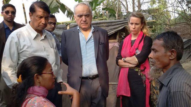 জাতিসংঘের প্রতিনিধিদের সঙ্গে কথা বলছেন রোহিঙ্গা শরণার্থীরা