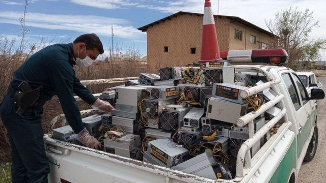 توقیف بیش از ۲۰۰ دستگاه ماینر در بروجن