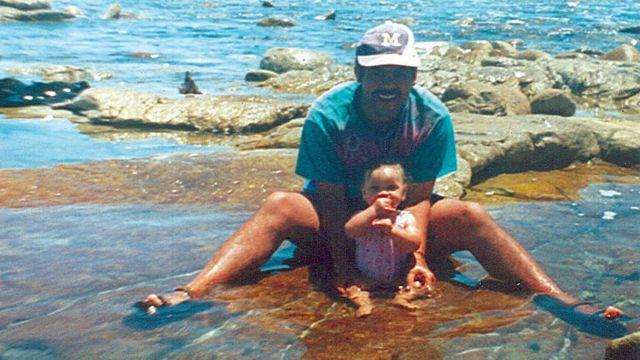 Miché, huit mois, avec Michael, qui passait depuis 17 ans pour son père.