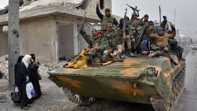 Suriya hökümət tankları