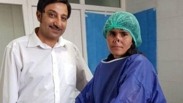 دکتر زلمی خان احمدزی جراحی را رایگان انجام داد