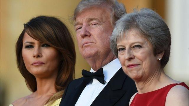 Predsednik Tramp i Prva dama, sa premijerkom Terezom Mej