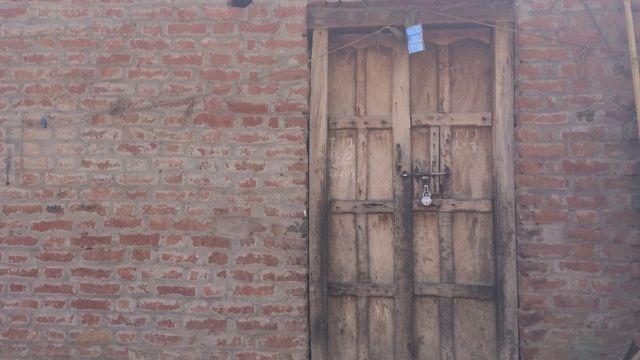 फ़िरोज़ाबाद शौचालय के लिए हत्या