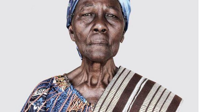 صورة لجدة إيشولا أكبو الذي يتخذ من بنين مقرا له