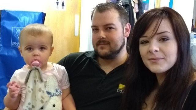 Marisha Chaplin ve Jon Hibbs kızları Evie ile