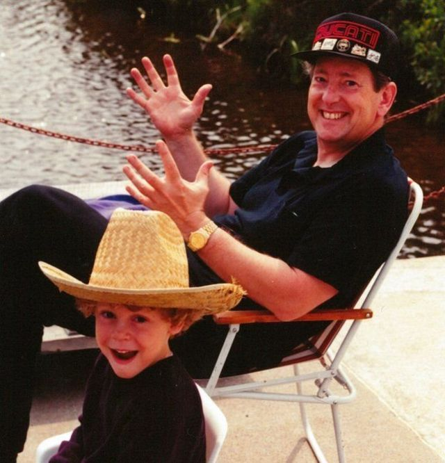 อาดัม ไมเออร์-เคลย์ตัน และพ่อเขาเขา เกรแฮม เคลย์ตัน