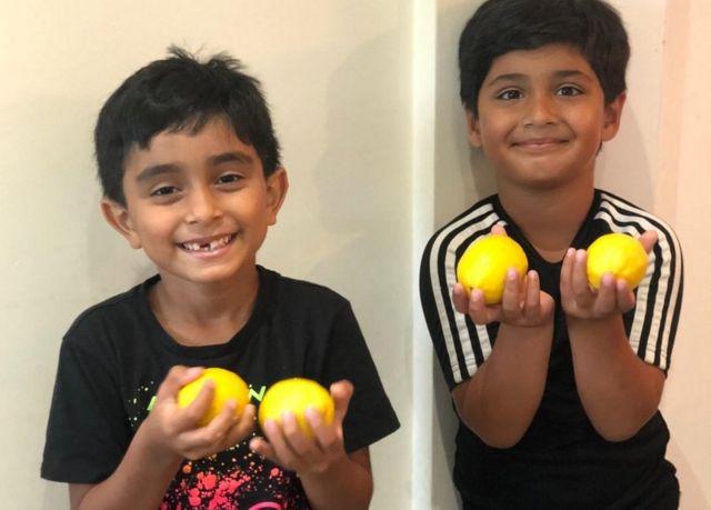 Ayaan and Mikaeel waxay uruuriyeen in ka badan £67,000 Gini oo loogu gargaarayo shacabka Yemen