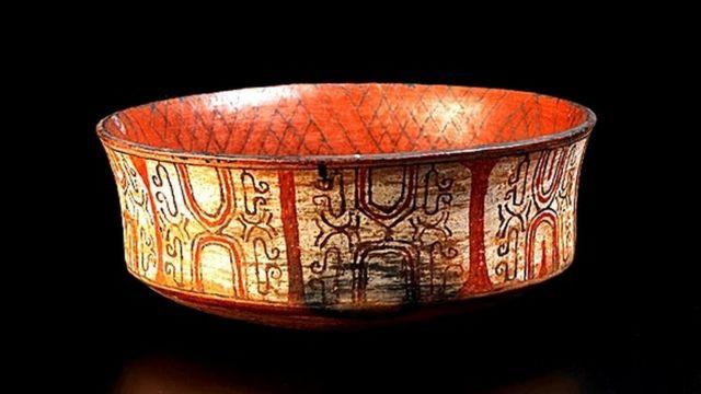Peça de cerâmica Kadiwéu, item do Museu Nacional