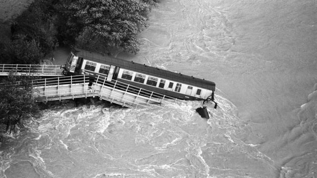 Glanrhyd disaster: Memories of train tragedy 30 years on